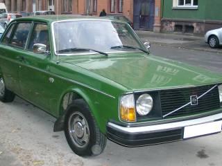 Volvo_244DL_front_20071017